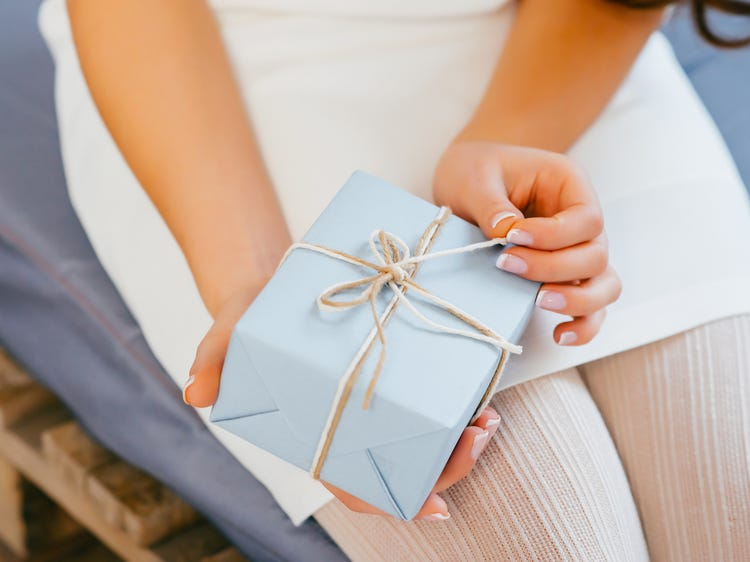 Things to Consider Before Buying Personalized Gifts Online